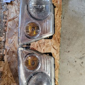 2005 F-150 Headlight Assemblies ( Both Sides) for Sale in Bellevue, WA