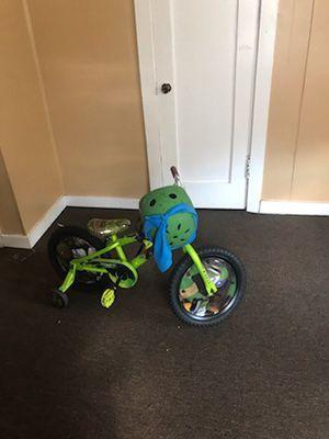 Bike & Little Hooper for Sale in Jackson, MS