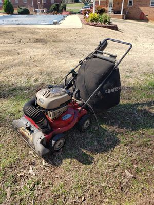 Craftsman vaccum leaves & litter 6.o Briggs and Stratton for Sale in Boiling Springs, SC