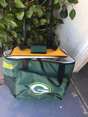 Green Bay rolling cooler for Sale in Bloomington, CA