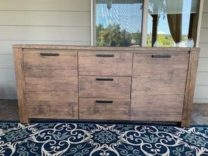Entry table kitchen dining buffet for Sale in Redmond, WA
