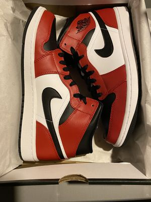 Jordan 1 Chicago black toe for Sale in Fresno, CA