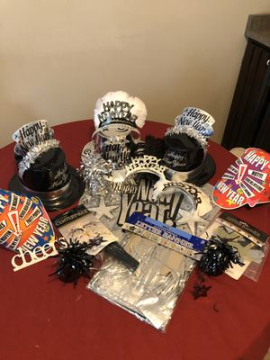 18 assorted happy new year decorations for Sale in Mechanicsburg, PA