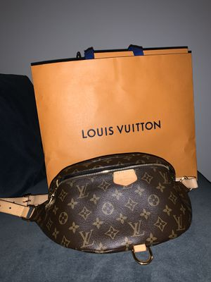 Louis Vuitton Bum Bag for Sale in Chicago, IL
