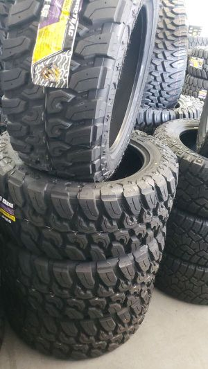 Brand new set of suretrac mud terrain 33 1250 20 lt for Sale in Phoenix, AZ