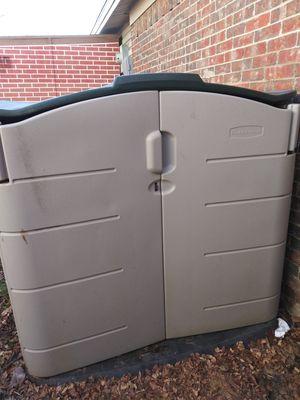Rubbermaid 6X6 lawn mower shed for Sale in Carrollton, TX
