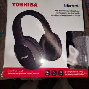 New $40 Selling For $25... BRAND NEW TOSHIBA BLUETOOTH HEADPHONES for Sale in Hollywood, FL