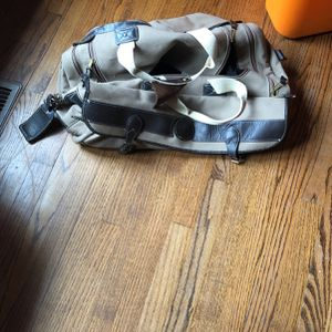 Eddie Bauer Canvas Duffle bag for Sale in Raleigh, NC