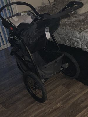 Graco Infant Click Connect Carseat & Jogger Stroller for Sale in Marietta, GA