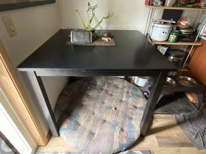 Bar height table with 4 stools for Sale in Vancouver, WA