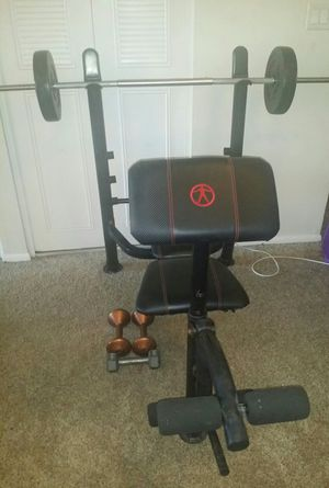 Weight bench with weights and dumbbells for Sale in Deerfield Beach, FL