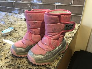 COGA girls snow boot size 10 for Sale in Franklin, MA