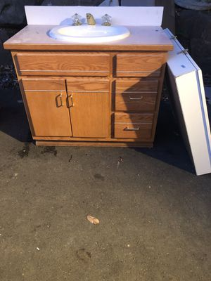 FREE! Bathroom Vanity Sink & Mirrored Cabinet for Sale in Mukilteo, WA