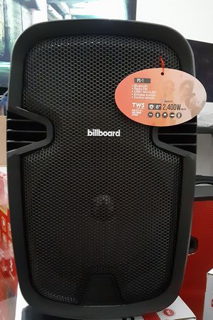 Speakers bluetooth 2400watts never used for Sale in Miami, FL