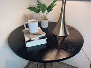 Black Round Table for Sale in Detroit, MI
