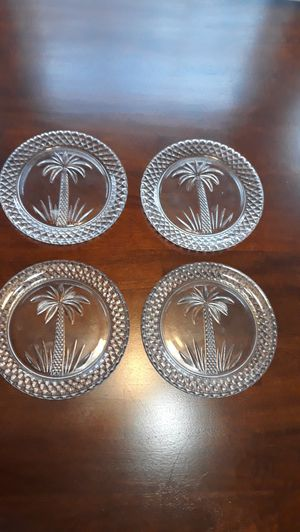 """Set of (4) 7-1/2"""" etched palm crystal decorative plates for Sale in Loganville, GA"""