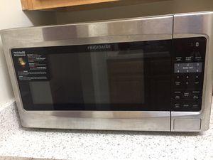 Frigididair microwave for Sale in Fairfax, VA