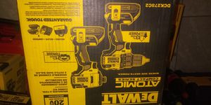 Dewalt combo 20v atómic for Sale in Woodbridge, VA