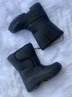 Snow boots for kids / kids snow boots / bota para la nieve niños / sizes 9,10,11,12,13,1,2,3 4 $25 each pair for Sale in South Gate, CA