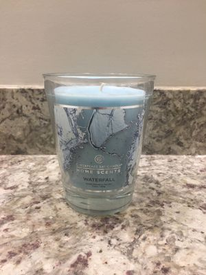 Candle waterfall scented (soothing smell) for Sale in Ashburn, VA
