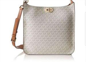 NWT MICHAEL Kors MK Sullivan Large North South Messenger VANILLA SIGNATURE CROSSBODY bag purse $348 for Sale in Garden Grove, CA