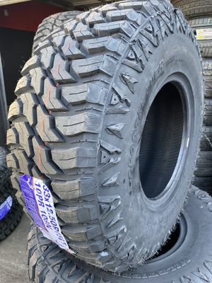 37/13.50r17 cross Mud Terrain $750 for Sale in Santa Fe Springs, CA