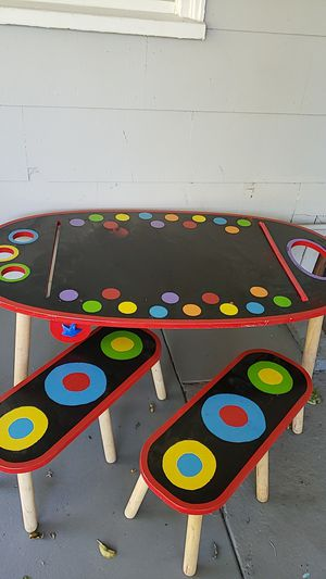 Kids table for Sale in Sacramento, CA