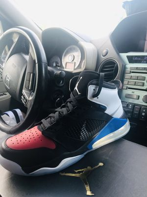 🚨BRAND NEW !!!!Jordans Mars 270 Black/Reflect silver /Gym red / noir size 13!!! Size 12 Size 10 for Sale in Durham, NC