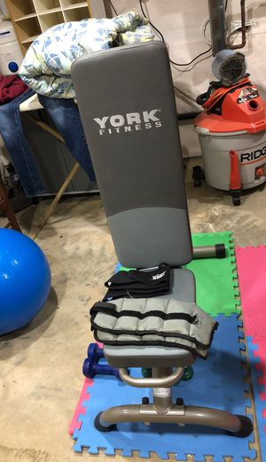 York weight bench for Sale in Columbia, PA