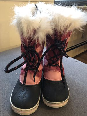 kids size 4 winter snow boots for Sale in Brooklyn, NY