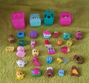 Shopkins with accessories for Sale in Sprague, CT