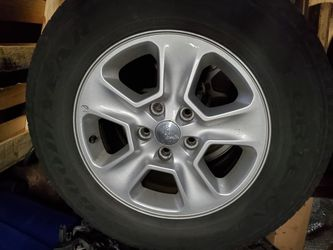 4 great shape Jeep Grand Cherokee 5 lug stock rims for Sale in Chicago,  IL