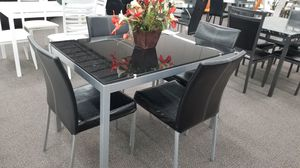 Dining set brand new for Sale in US