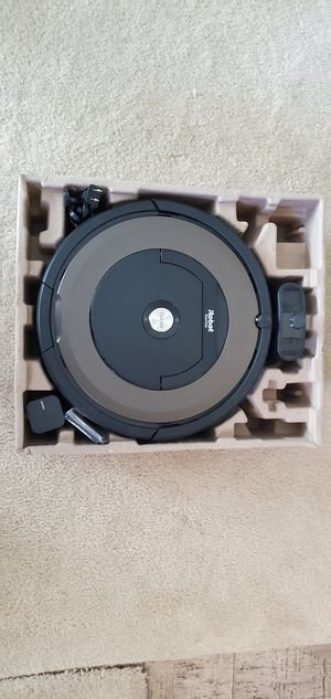 Roomba 890 WiFi Vacuum Cleaner - Like New for Sale in ROWLAND HGHTS, CA