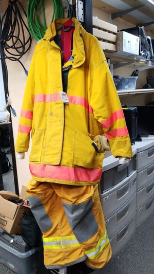 Quaker Safety Fire Suit for Sale in Sioux Falls, SD