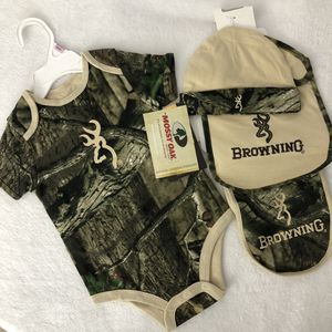 Browning Baby Onesie Camo Set 9 mths NWT for Sale in Largo, FL