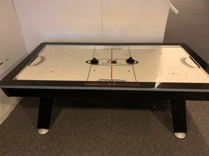 Air hockey table 4x7 for Sale in Columbus, OH