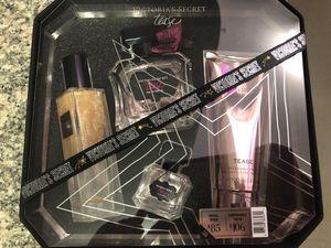 VS Luxury fragrance gift set for Sale in Miami, FL