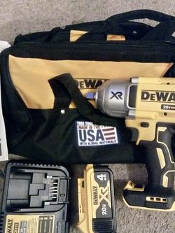 "Dewalt 20 V XR Brushless 1/2"" High Torque Impact Wrench With Detent Pin Kit for Sale in Sloan,  NV"