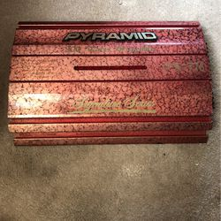 Pyramid Signature Series Amp 900 Watts-Must Go Today! for Sale in Dallas,  TX