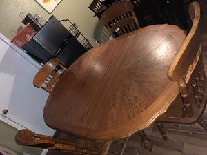 Solid oak table 4 chairs for Sale in Grand Prairie, TX