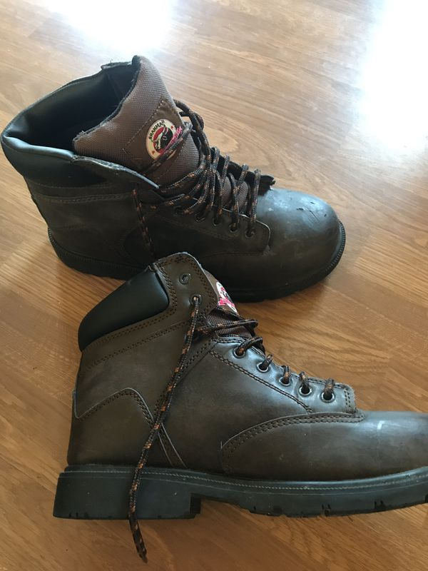 Brahma men's work boots! In great shape, steel toe, size 9.5! ONLY WORE ONCE!