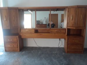 Headboard and side cabinets for Sale in Puyallup, WA