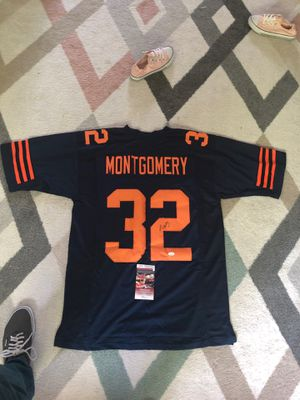 AutographedChicago Bears David Montgomery autographed color rush jersey, plus bonus 4 1985 bears bumper stickers included in purchase for Sale in Normal, IL