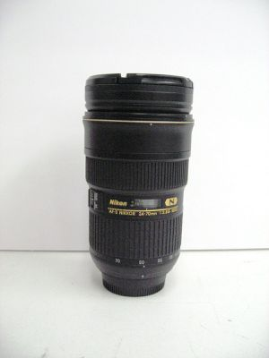 Nikon 24-70mm f/2.8G ED IF AF-S Nikkor Wide Angle Camera Zoom Lens for Sale in Los Angeles, CA