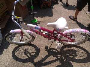 He really nice girls bike good condition used for Sale in Cleveland, OH