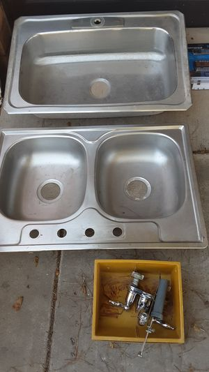 Single and double sinks with fault 20.00 dollars each for Sale in Glendale, AZ