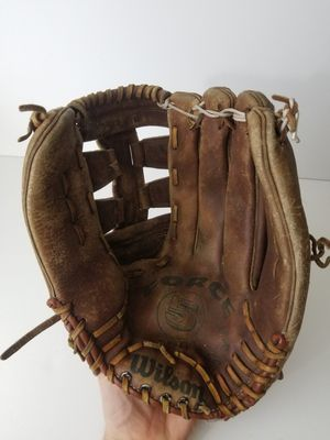 Wilson Model A9814 FORCE 5 Baseball Softball Glove Mitt Lock Hinge RHT for Sale in Orlando, FL