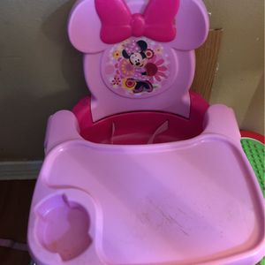 Minnie Mouse Eating Chair for Sale in San Bernardino, CA