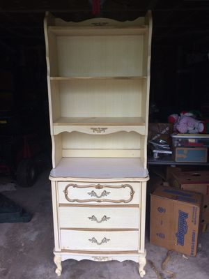 4 piece dresser set for Sale in Glendale Heights, IL